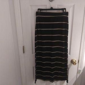 Ambiance Apparel black & beige striped skirt sizeM